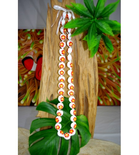 Collier 40 Kukui nut  blanc fleurs d'hibiscus orange