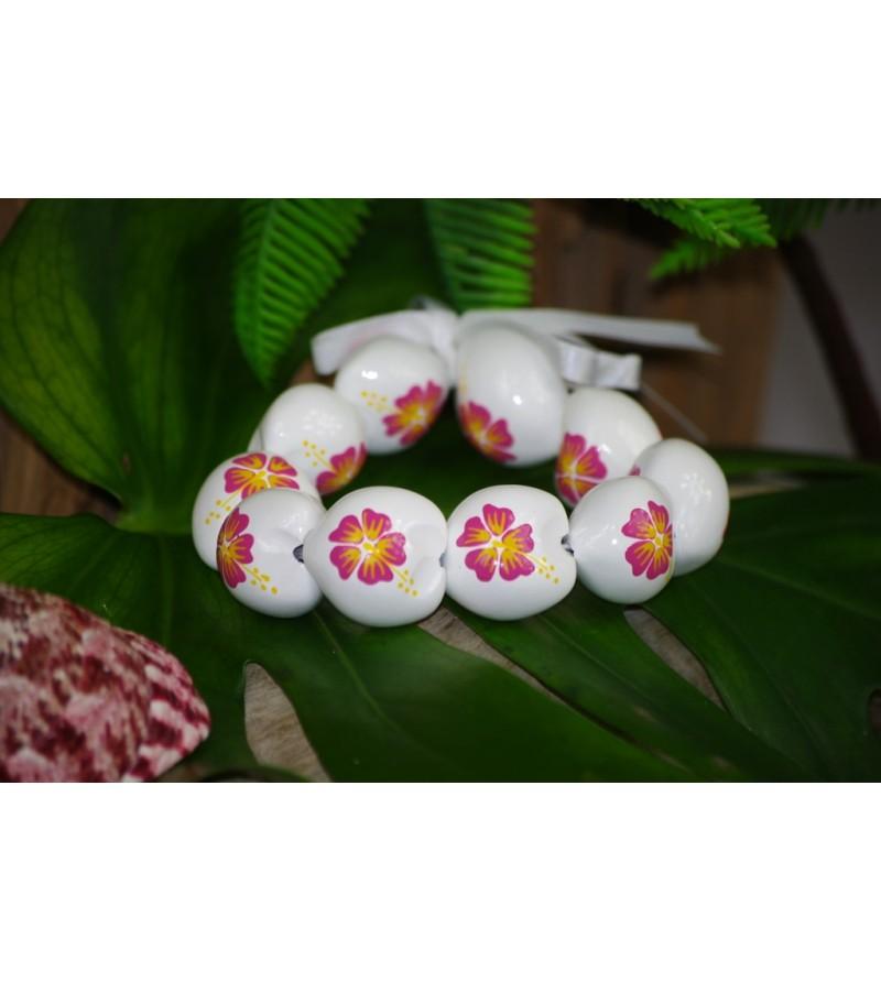 Bracelet Kukui Nut Blanc Fleurs d'Hibicus Rose
