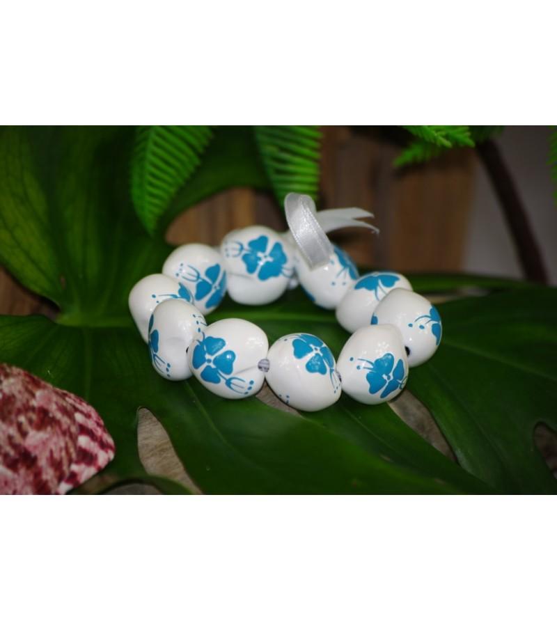 Bracelet Kukui Nut Blanc Fleurs d'Hibicus Bleu