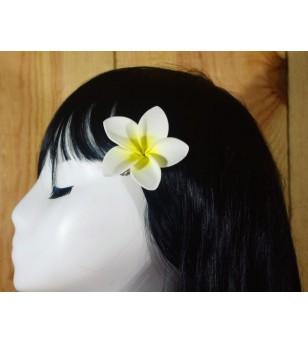 Pince Fleur Frangipanier Blanche Jaune 5cm