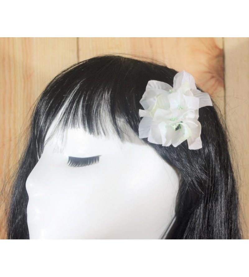 Fleur D'oreille Bougainvilliers Blanc 6cm
